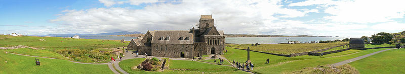 800px-Iona_Abbey._Panorama